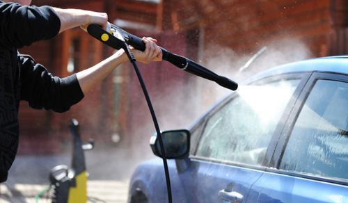 Как нужно мыть машину правильно: советы и практика