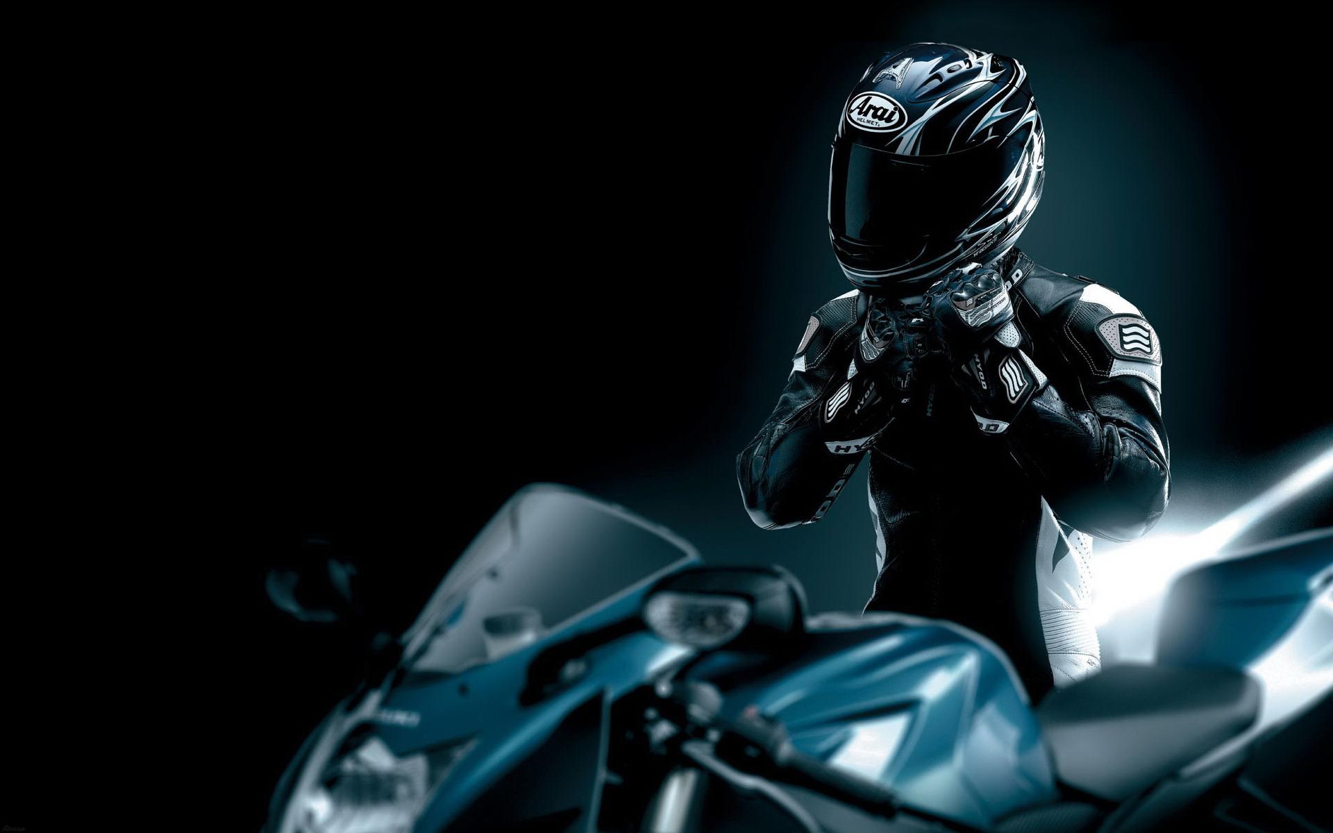 Экипировка для мотоциклиста: обзорно о шлемах для мотоциклов