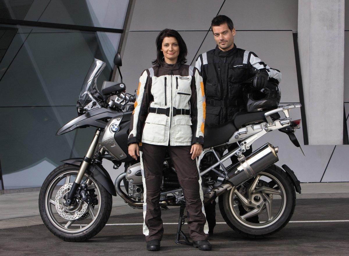 Мотокомбинезон для мотоциклиста — от спортсмена до Бэтмена