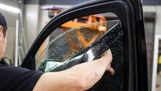 Услуги тонирования стекол в Москве