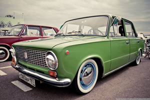 Зелёный ВАЗ 2101