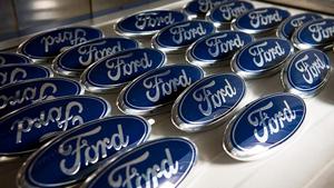 Шильдик Ford для автомобиля